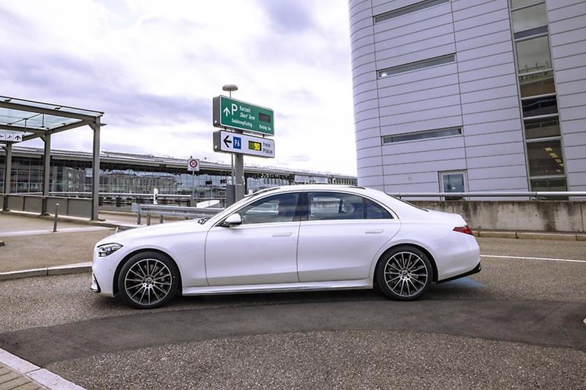 Mercedes giới thiệu công nghệ đỗ xe tự động với S-Class - Ảnh 3