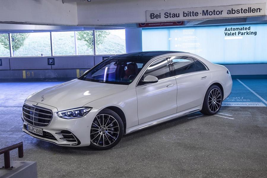 Mercedes giới thiệu công nghệ đỗ xe tự động với S-Class - Ảnh 2