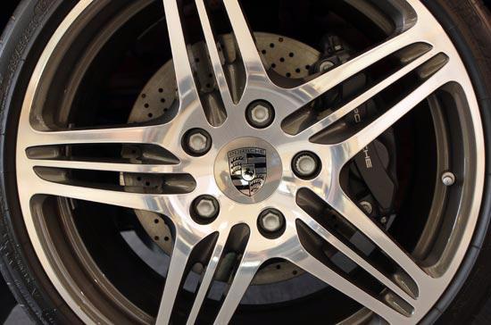 Những điều thú vị về siêu xe Porsche 911 Carrera Cabriolet - Ảnh 12