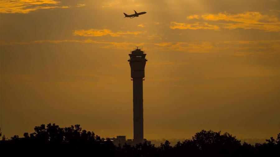10 sân bay đặc biệt nhất thế giới - Ảnh 8.