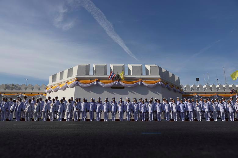Vua Vajiralongkorn của Thái Lan chính thức đăng quang - Ảnh 8.