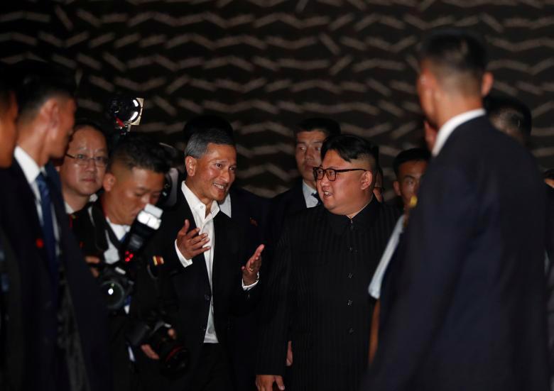 Chùm ảnh ông Kim Jong Un đi dạo đêm ở Singapore - Ảnh 8.