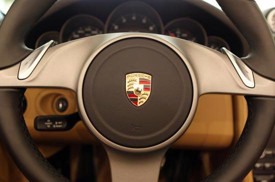Những điều thú vị về siêu xe Porsche 911 Carrera Cabriolet - Ảnh 5