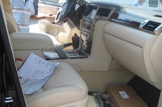 Khám phá Lexus LX570 2013 đầu tiên tại Việt Nam - Ảnh 4