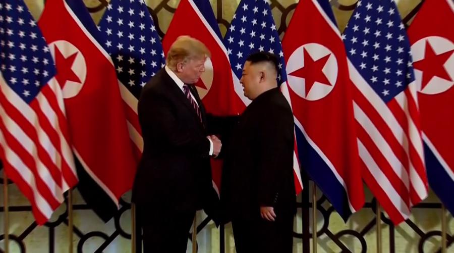 """Gặp ông Kim Jong Un, ông Trump hứa """"một tương lai tuyệt vời"""" cho Triều Tiên - Ảnh 2."""