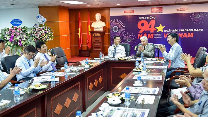 Bộ trưởng Nguyễn Mạnh Hùng: Báo chí là cầu nối cho khát vọng Việt Nam hùng cường - Ảnh 4.