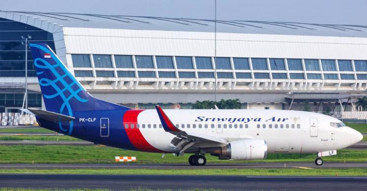 Hiện trường máy bay rơi làm 62 người chết ở Indonesia - Ảnh 10.