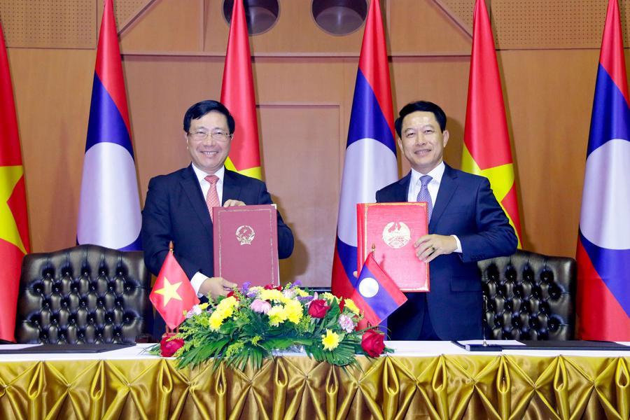 Phó Thủ tướng, Bộ trưởng Ngoại giao Phạm Bình Minh thăm chính thức Lào - Ảnh 2.