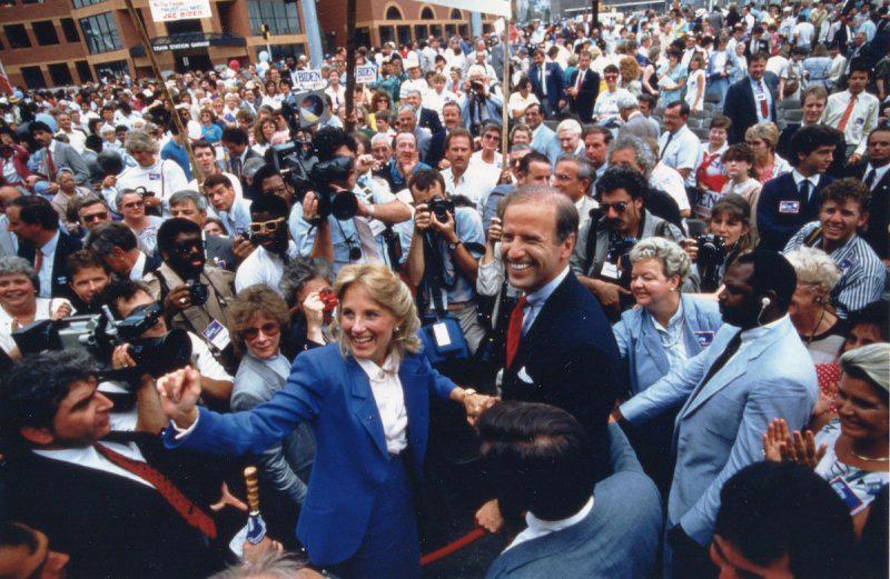 Chùm ảnh đáng nhớ trong cuộc đời và sự nghiệp của ứng viên tổng thống Joe Biden - Ảnh 1