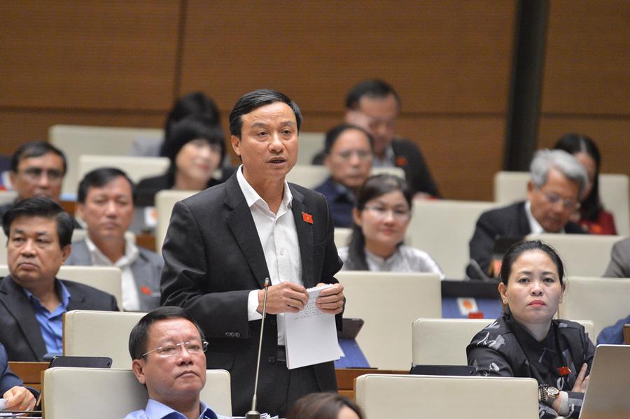 Đại biểu Quốc hội tranh luận quyết liệt về việc tách 2 luật giao thông đường bộ - Ảnh 2.