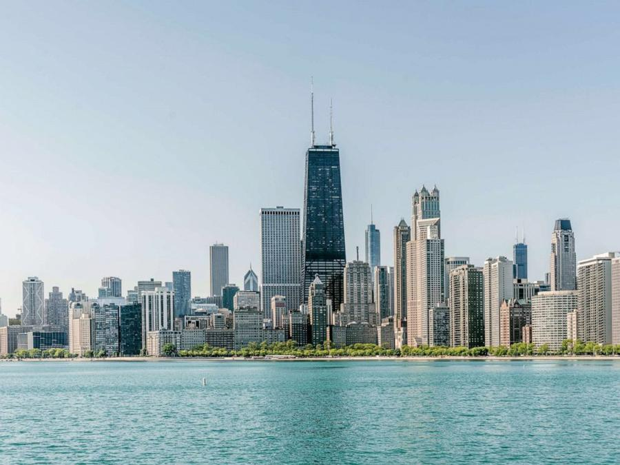 chicago-skyline-stock-gty-jef-190415_hpMain_4x3_992