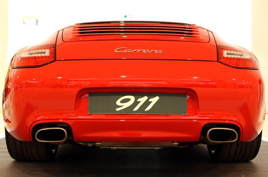 Những điều thú vị về siêu xe Porsche 911 Carrera Cabriolet - Ảnh 13