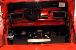 Những điều thú vị về siêu xe Porsche 911 Carrera Cabriolet - Ảnh 10