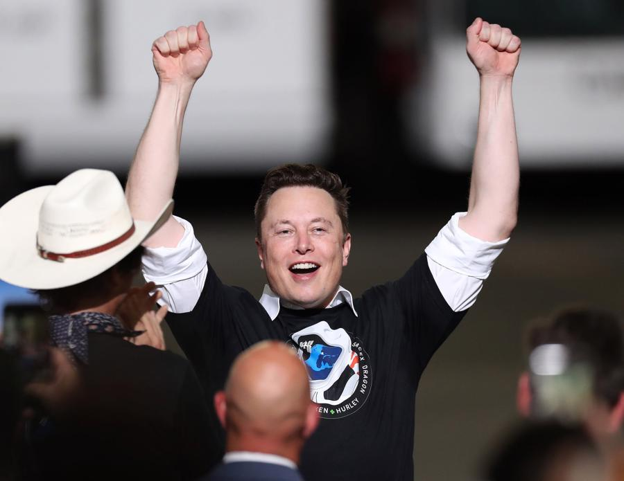 Lại đăng tweet, Elon Musk giúp tiền ảo Dogecoin vượt mốc vốn hóa 10 tỷ USD - Ảnh 1.
