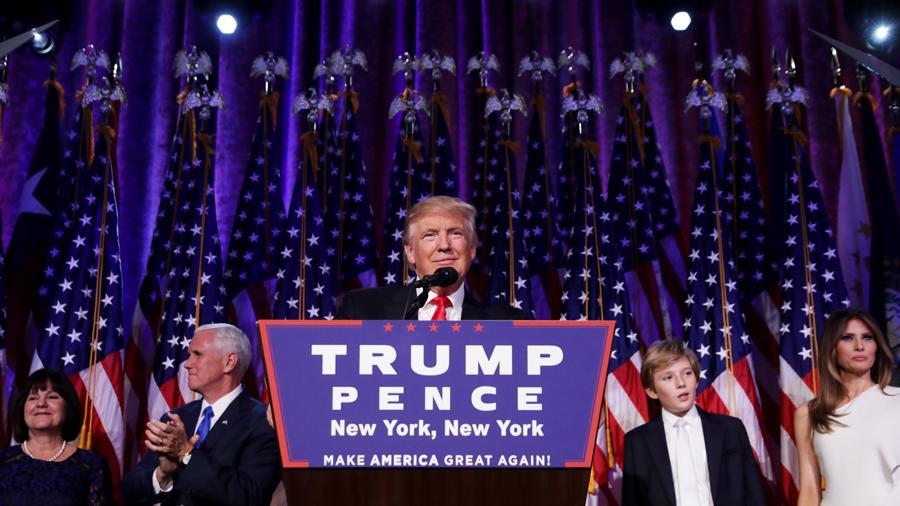 Những khoảnh khắc đáng chú ý trong cuộc đời và sự nghiệp của ông Trump - Ảnh 22.