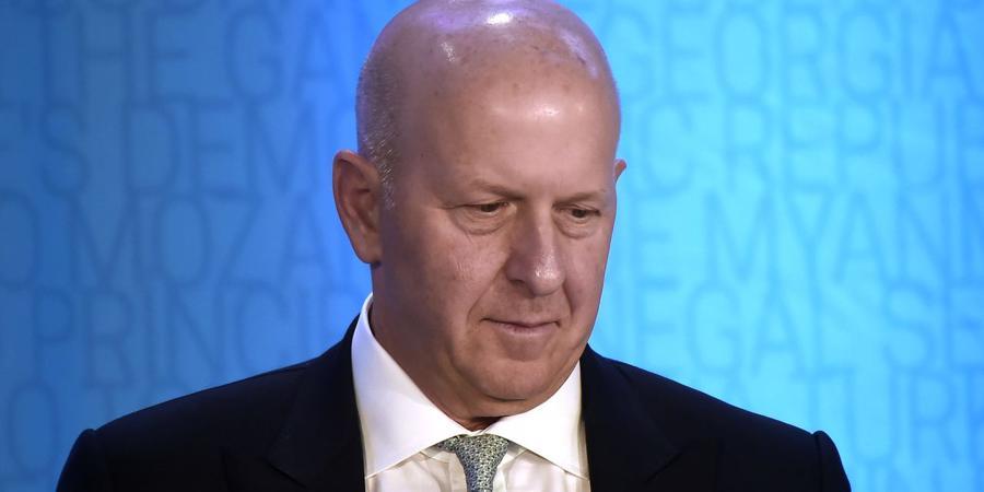 Goldman Sachs thu hồi thưởng của giám đốc cấp cao vì đại án tham nhũng 1MDB - Ảnh 1.