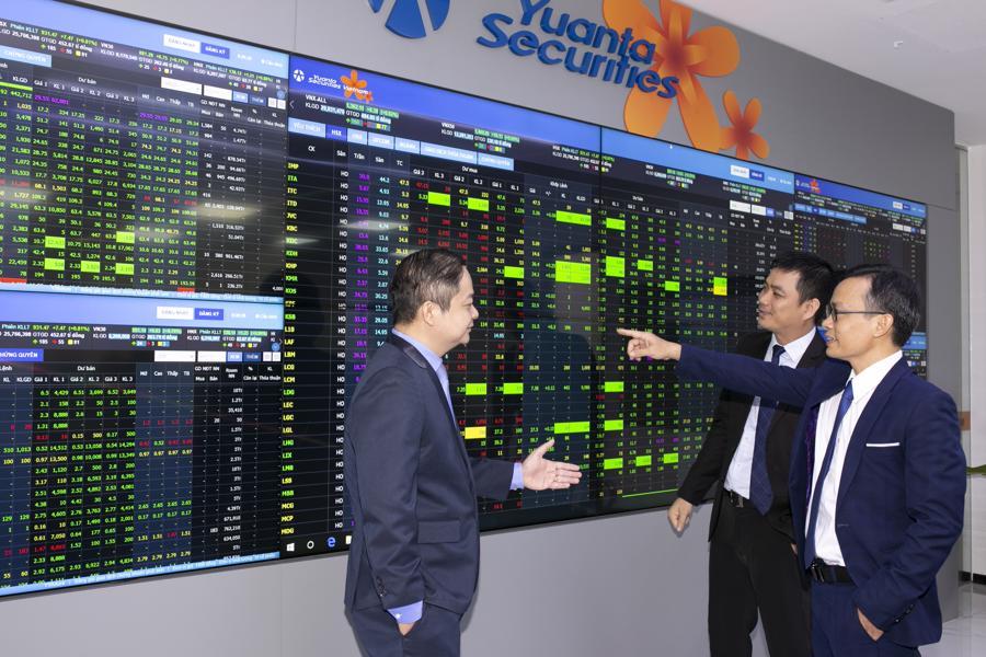 Thêm đòn bẩy cho thị trường chứng khoán tăng trưởng nhờ lãi suất thấp - Ảnh 1.