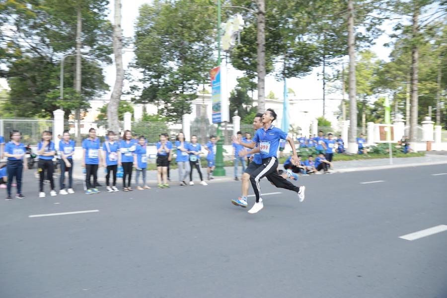 Cùng Sacombank chạy vì sức khỏe cộng đồng - Ảnh 2.