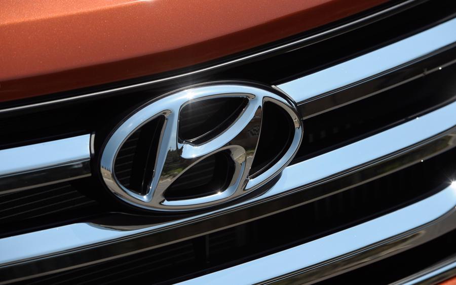 12 thương hiệu ôtô đắt giá nhất thế giới - Ảnh 11.