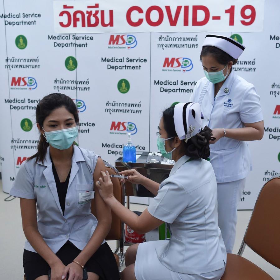 Chậm triển khai vaccine, châu Á thụt lùi trong cuộc đua phục hồi kinh tế hậu Covid? - Ảnh 1.