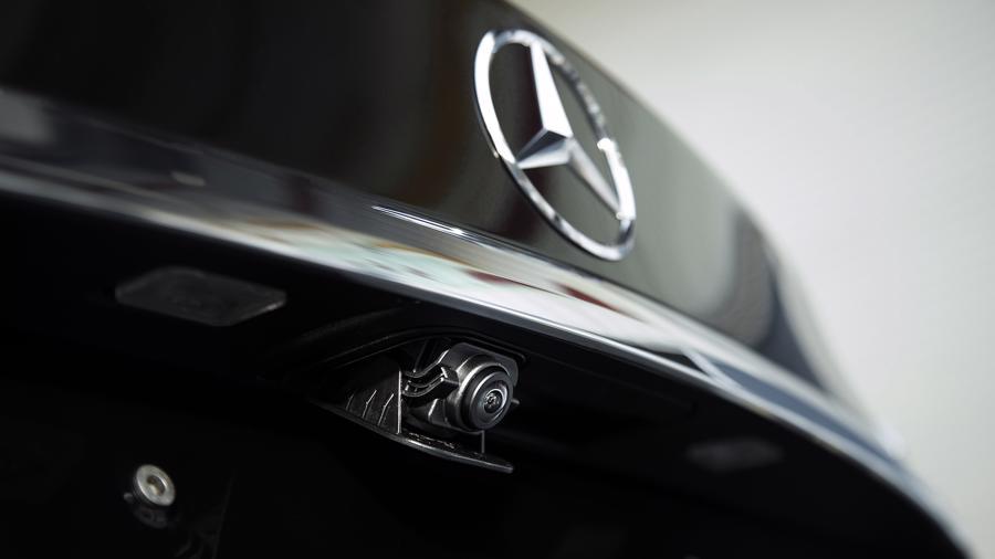 Xe sang Mercedes C 180 AMG mới giá dưới 1,5 tỷ đồng tại Việt Nam - Ảnh 7.