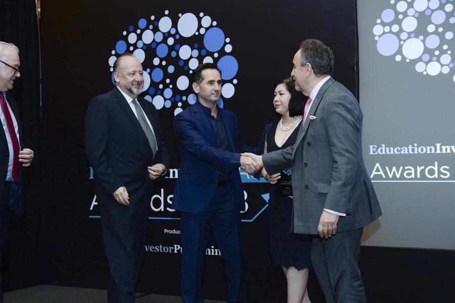 """Group CEO Apollo English: """"Chúng tôi tự hào khi được vinh danh quốc tế"""" - Ảnh 2."""