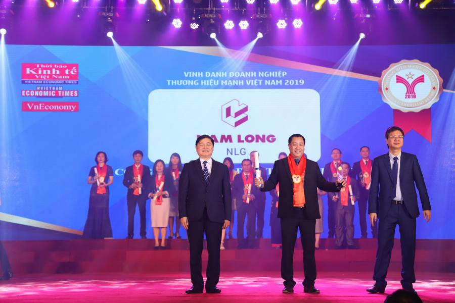 Nam Long được vinh danh nhiều giải thưởng - Ảnh 2.