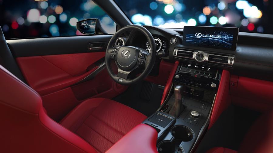 nội thất Lexus IS 2021