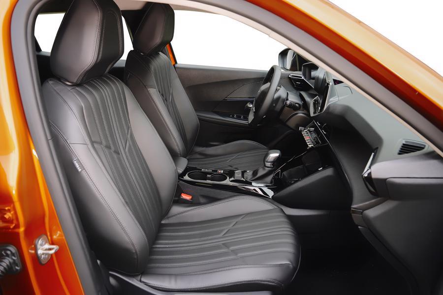 Peugeot 2008 giá 739 triệu đồng, cạnh tranh cùng Toyota Corolla Cross - Ảnh 9.