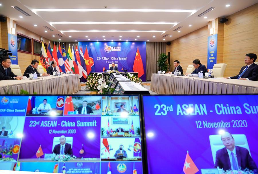 Thủ tướng tái khẳng định lập trường về Biển Đông tại Hội nghị Cấp cao ASEAN - Trung Quốc - Ảnh 1.