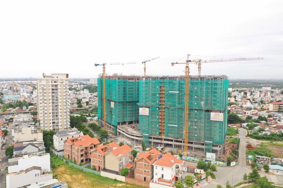 Chính thức cất nóc dự án căn hộ hạng sang đầu tiên tại Biên Hòa - Ảnh 1.
