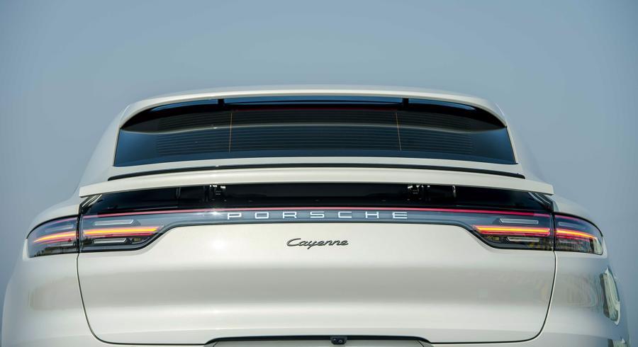Porsche Cayenne Coupe – SUV thể thao cho người giàu trẻ tuổi - Ảnh 2