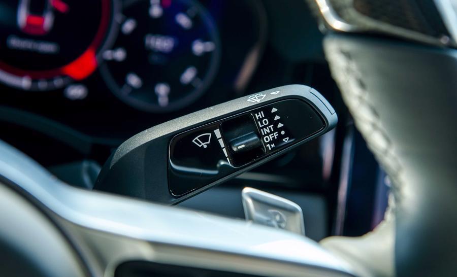 Porsche Cayenne Coupe – SUV thể thao cho người giàu trẻ tuổi - Ảnh 9