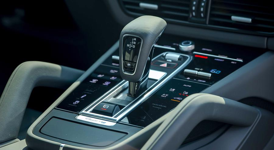 Porsche Cayenne Coupe – SUV thể thao cho người giàu trẻ tuổi - Ảnh 11