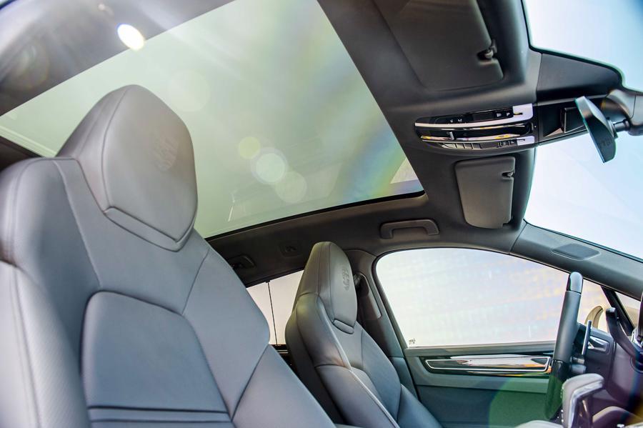 Porsche Cayenne Coupe – SUV thể thao cho người giàu trẻ tuổi - Ảnh 10