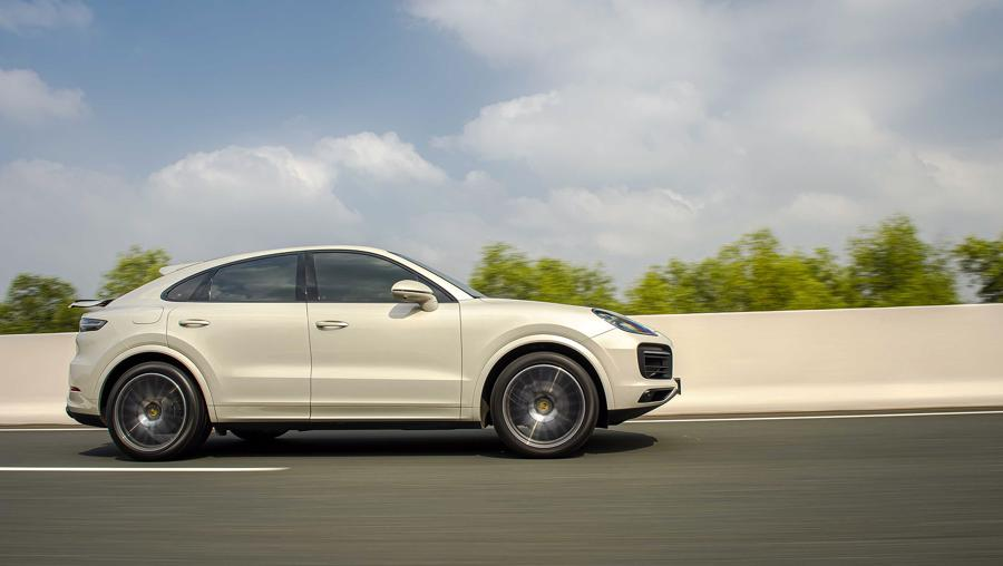Porsche Cayenne Coupe – SUV thể thao cho người giàu trẻ tuổi - Ảnh 3.