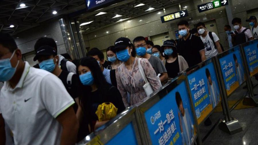 Chậm triển khai vaccine, châu Á thụt lùi trong cuộc đua phục hồi kinh tế hậu Covid? - Ảnh 3.
