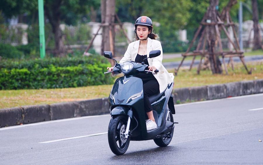 VinFast ra mắt bộ đôi xe máy điện mới, chưa có giá bán - Ảnh 2.