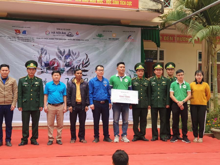 Nghệ An: Tập đoàn Tân Long trao tặng quà Tết cho người nghèo - Ảnh 3.