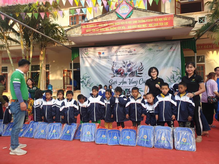 Nghệ An: Tập đoàn Tân Long trao tặng quà Tết cho người nghèo - Ảnh 5.