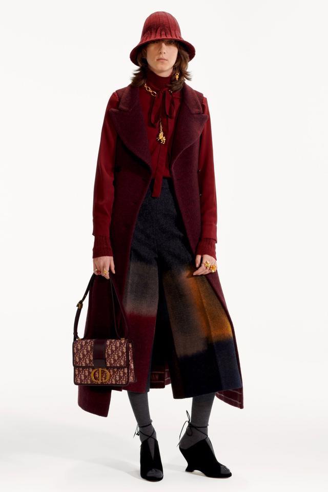 BST pre-fall 2019 của Christian Dior: những quý cô kiêu kỳ - Ảnh 2.