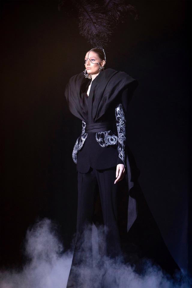 BST Haute Couture Xuân Hè của Elie Saab: nhà hát của giấc mơ - Ảnh 4.