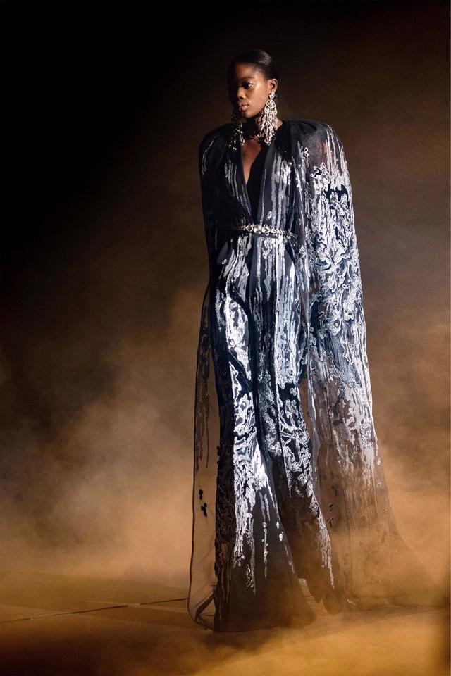 BST Haute Couture Xuân Hè của Elie Saab: nhà hát của giấc mơ - Ảnh 3.