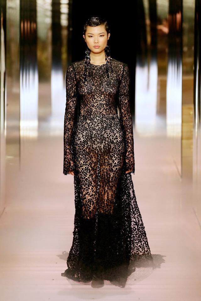 BST Haute Couture Xuân Hè 2021 của Fendi: những nữ thần cổ điển - Ảnh 10.