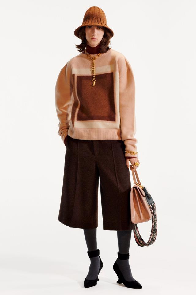 BST pre-fall 2019 của Christian Dior: những quý cô kiêu kỳ - Ảnh 7.
