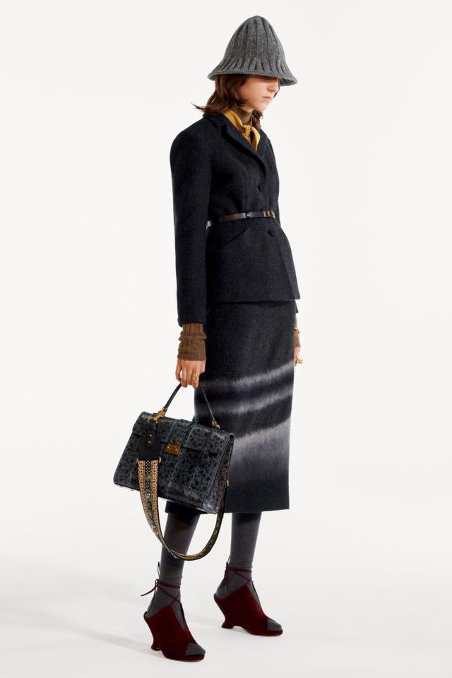 BST pre-fall 2019 của Christian Dior: những quý cô kiêu kỳ - Ảnh 8.