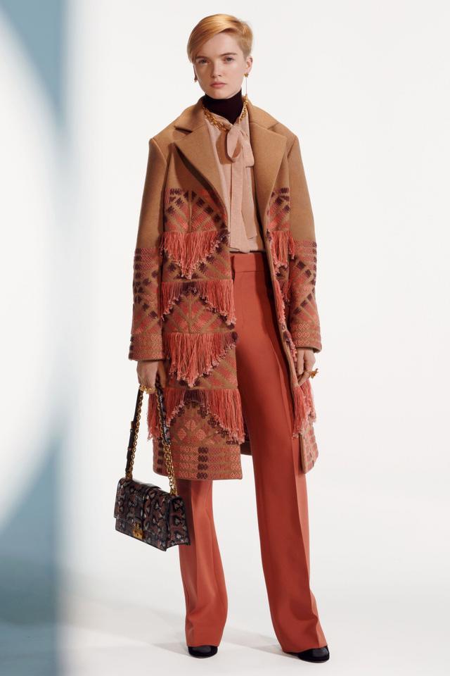 BST pre-fall 2019 của Christian Dior: những quý cô kiêu kỳ - Ảnh 16.