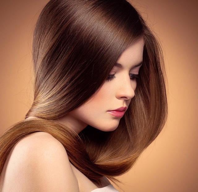 Bí kíp ngăn tóc gãy rụng hiệu quả ngay tại nhà - Ảnh 1.