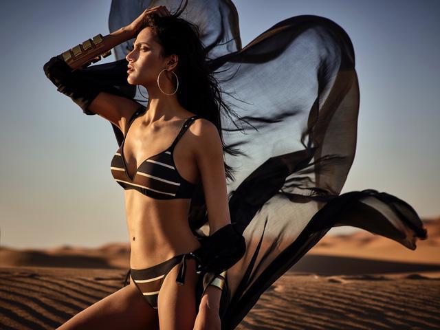 Bikini hot cho tháng 6 thêm nóng bỏng - Ảnh 1.