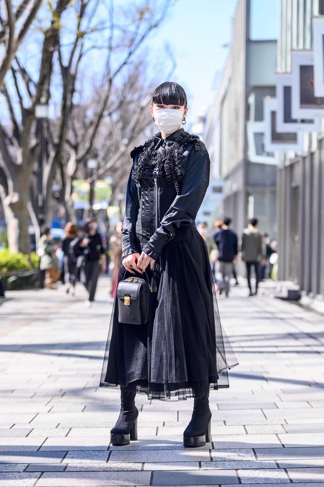 Thời trang đường phố của Tokyo Fashion Week 2021: tinh thần unisex đương đại - Ảnh 9.
